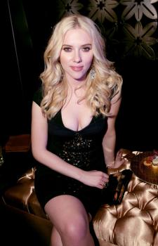 scarlett_johansson_grammy_party_19.jpg